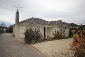 97 Laura Ave, BELMONT